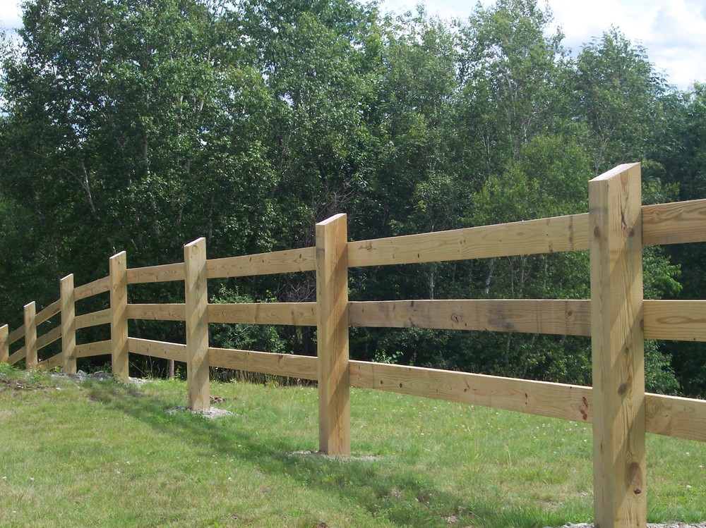 Fencing Livestock 101 | FarmTek Blog