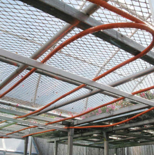 pex-al-pex-pipe-greenhouse-bench